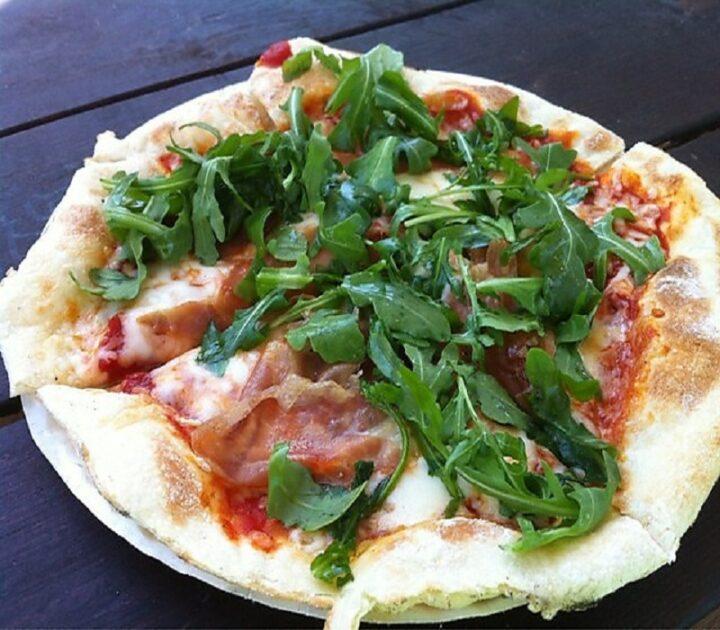 Σπιτική υγιεινή πίτσα: Υλικά για healthy pizza
